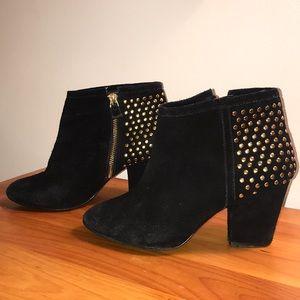 Steve Madden black velvet ankle booties/gold